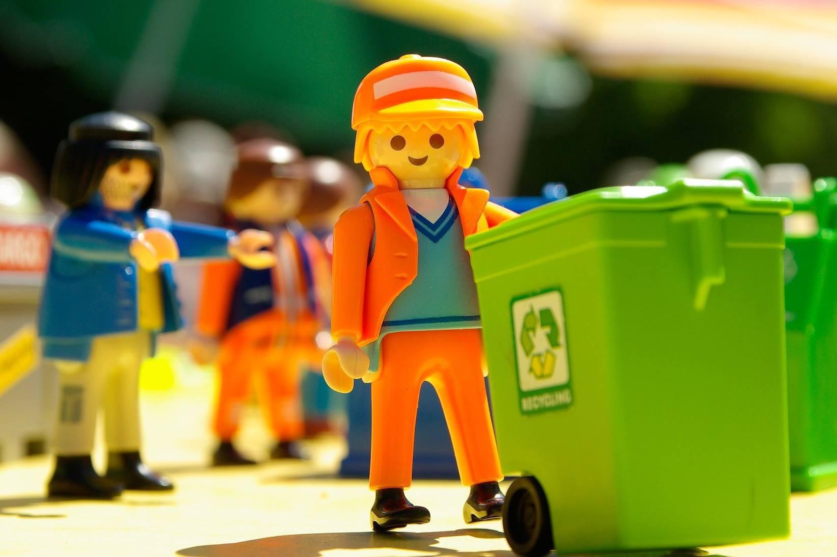Каждому виду мусора свой контейнер