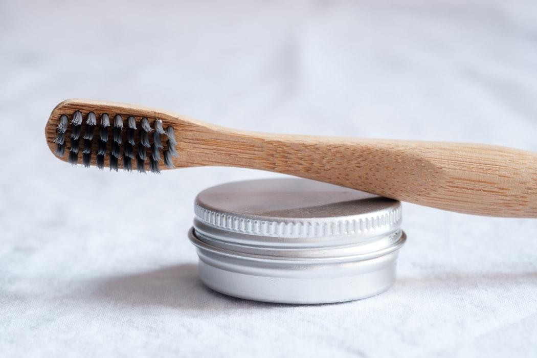 Зубная щётка из экологичных материалов