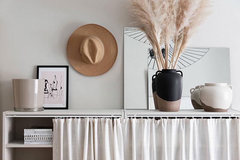 Декоративные композиции из подручных материалов преображают комнату