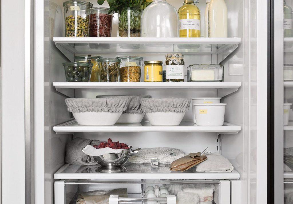 Здоровая пища в холодильнике