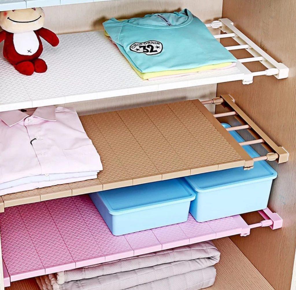 Разделители для полок в шкафу с детской одеждой