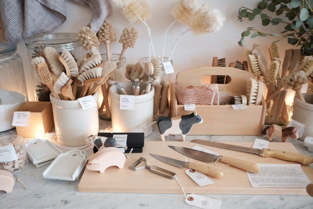 Кухонные аксессуары из натурального дерева