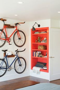 Возможный вариант хранения велосипеда в квартире – фото 1