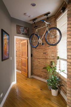 Возможный вариант хранения велосипеда в квартире – фото 2