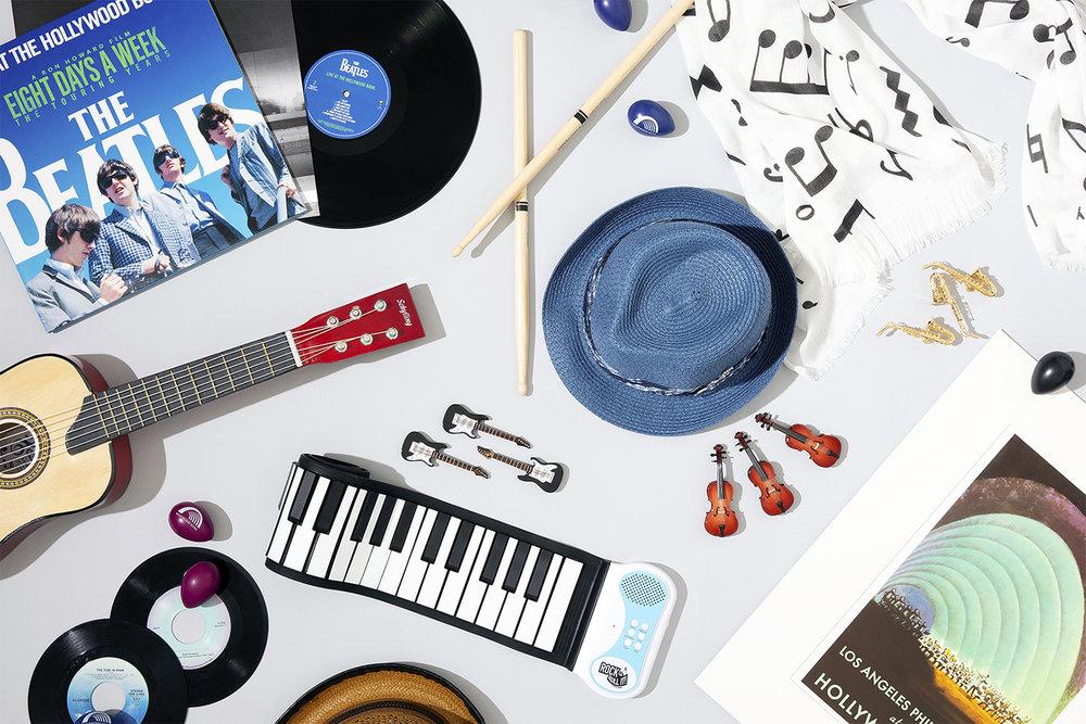 Фото с вещами музыканта