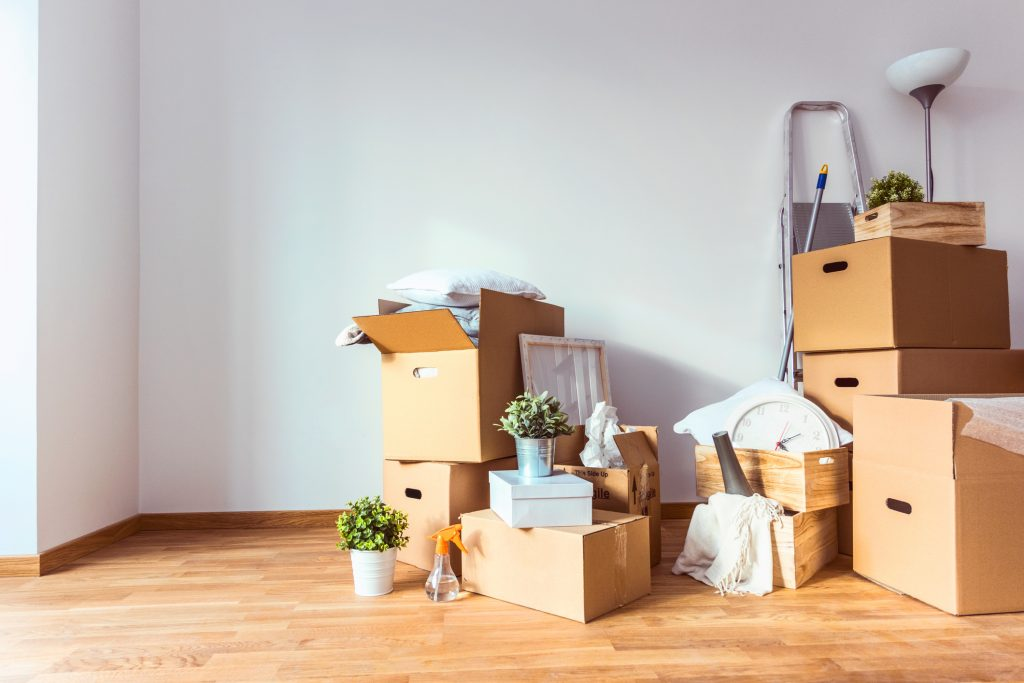 Вещи, выгруженные после переезда