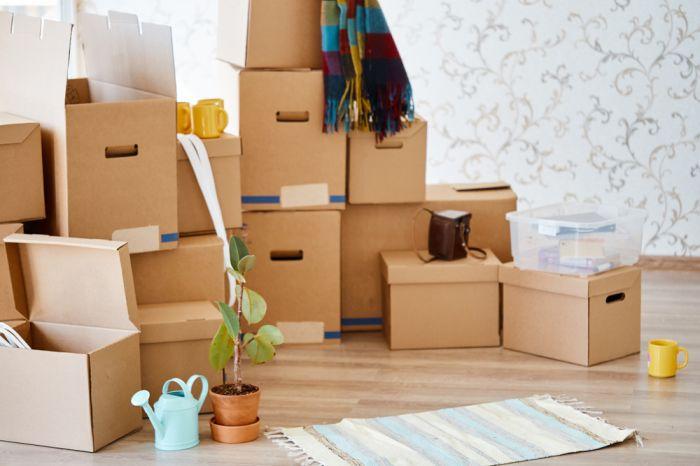 Вещи, упакованные в коробки