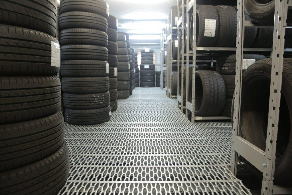 Склад для хранения шин с соблюдением всех необходимых условий