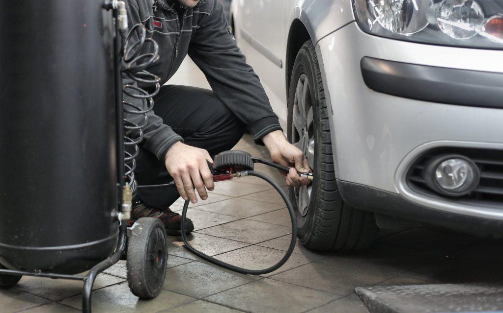Регулировка давления в шинах