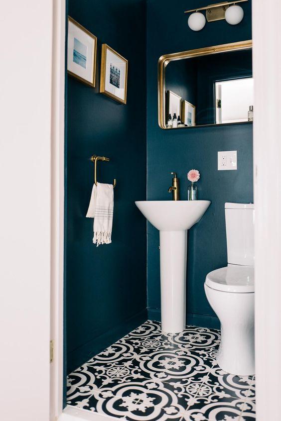 Применение тёмного цвета в ванной комнате
