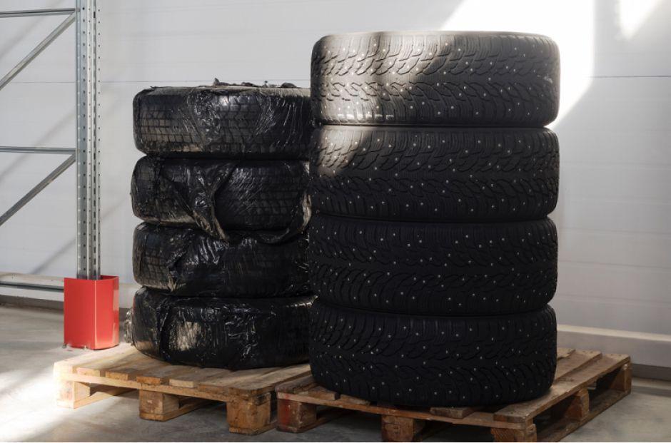 Хранение шин на тёплом складе Чердака