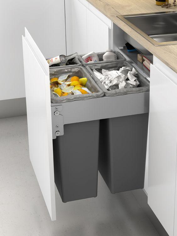 Выдвижные ящики с контейнерами для мусора - пример 2