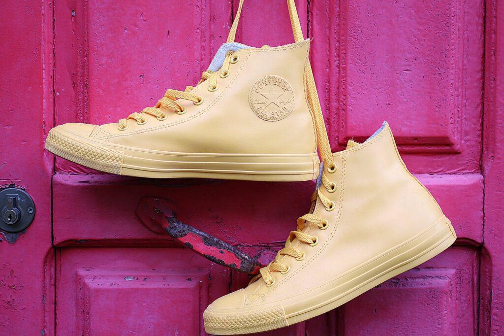 Пример современной обуви