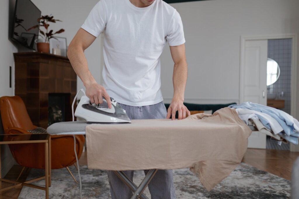 Приведение одежды в порядок перед хранением