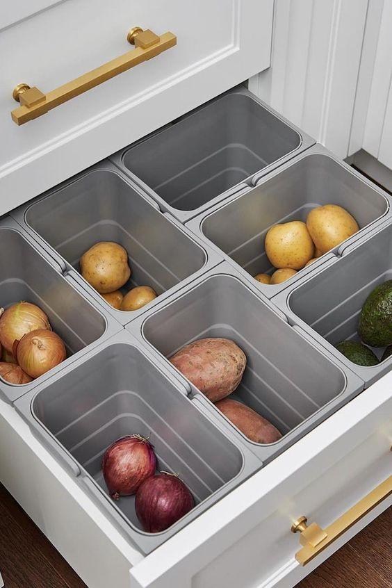 Ящик для хранения овощей с отдельными ёмкостями