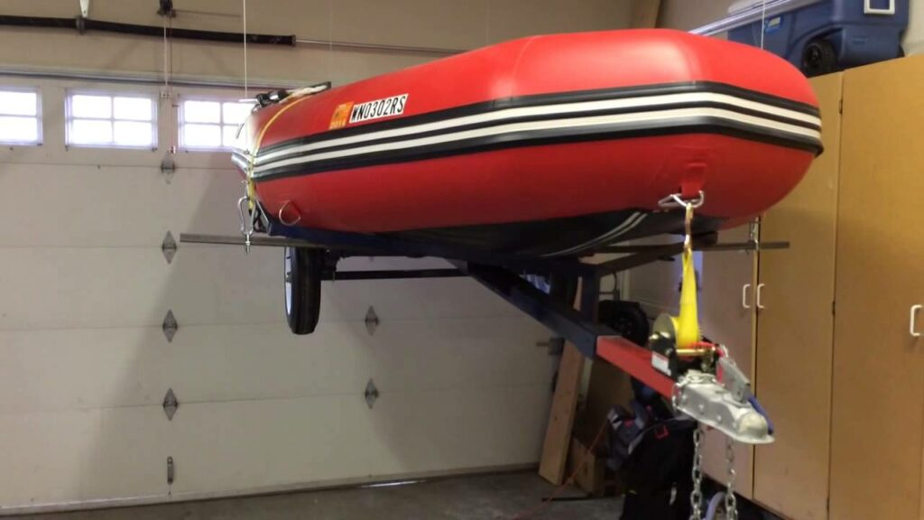 Хранение лодки в подвешенном состоянии
