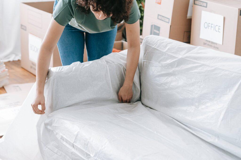 Тщательная упаковка мебели