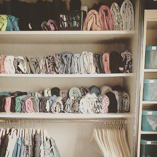 Наглядный пример вертикального хранения вещей и одежды