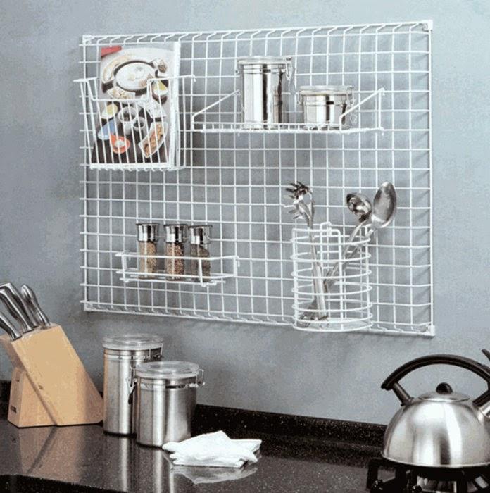Настенное хранение кухонных принадлежностей - вариант 2