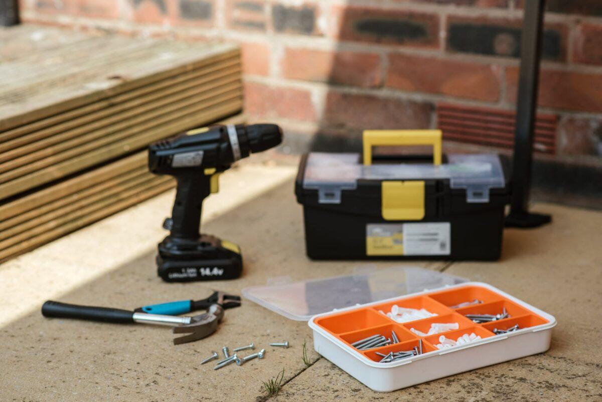 Как организовать хранение инструментов дома или в гараже