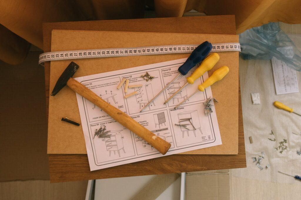 Порядок в хранении инструментов помогает быстро найти нужный предмет